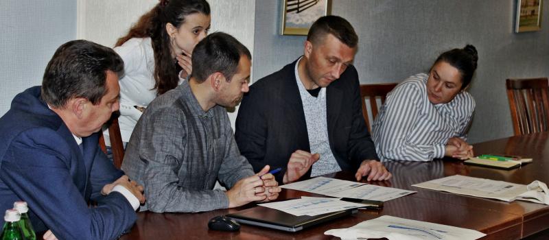DiXi Group disseminates EITI experience in regions