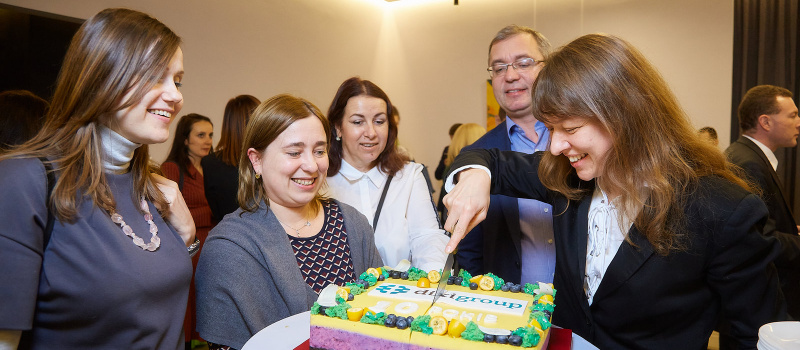 Десятиріччя DiXi Group: торт, півсотні гостей та багато креативу