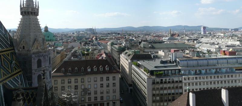 """DiXi Group та фонд """"Відродження"""" організували тур для журналістів до Австрії"""